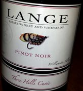 Lange3Hills2011WEB wine grapes