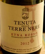tenutadelterre12WEB wine grapes value value value u20 umbria southern italy sangiovese northern italy merlot